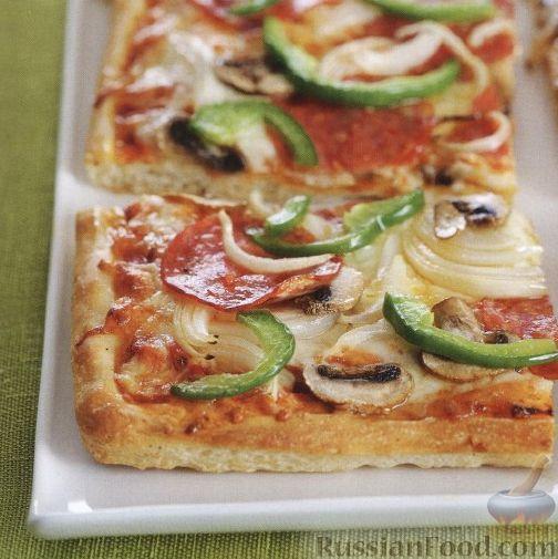Рецепт Пицца с салями, луком, грибами и болгарским перцем
