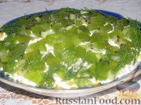 Фото к рецепту: Салат крабовый с киви