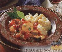 Фото к рецепту: Тушеная рыба с картофельным пюре