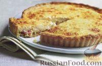 Фото к рецепту: Пирог с беконом и сыром
