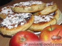 Фото к рецепту: Жареные пирожки с яблоками и корицей