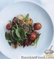 Фото к рецепту: Салат из печеного картофеля, помидоров и стейков