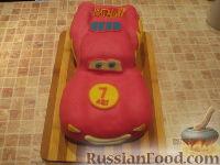 """Фото к рецепту: Торт """"Машинка Маккуин"""" (Тачки) (пошагово)"""