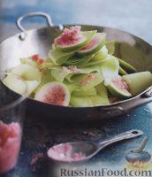 Фото к рецепту: Экзотический салат из манго и инжира
