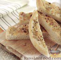 Фото к рецепту: Чесночная пицца с оливковым маслом и специями