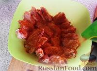 Фото приготовления рецепта: Жареная курица с хрустящей корочкой - шаг №2
