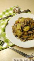 Фото к рецепту: Картошка с грибами и луком
