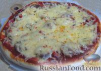 Фото к рецепту: Простая пицца с домашней колбасой