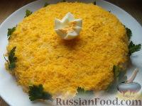 Фото к рецепту: Слоеный салат с курицей и шампиньонами