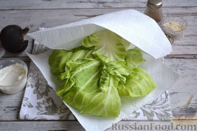 Фото приготовления рецепта: Салат с колбасой - шаг №6