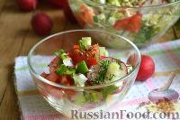 Фото к рецепту: Салат из капусты с редиской