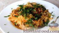 Фото к рецепту: Жареная капуста с шампиньонами
