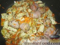 """Фото приготовления рецепта: """"Штрудель"""" с картофелем и мясом - шаг №4"""