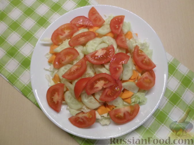 Фото приготовления рецепта: Открытый пирог из песочного творожного теста с яблочно-маковой начинкой - шаг №14