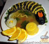 Фото к рецепту: Заливное и фаршированная рыба с сырно-апельсиновым соусом
