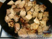 Фото приготовления рецепта: Мясо тушеное с картофелем - шаг №3