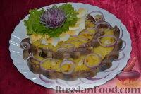 """Фото к рецепту: Салат """"Русский"""" с сельдью"""