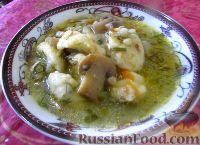 Фото к рецепту: Гречневый суп с грибами и картофельными клецками