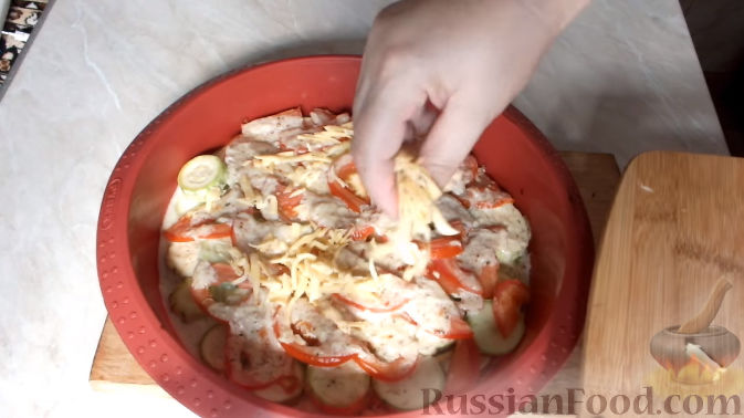 кабачки с сыром и сметаной в духовке