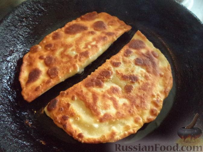 рецепт приготовления пирогов с луком и яйцом
