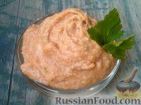 Фото к рецепту: Паштет из селедки, с яблоком и паприкой