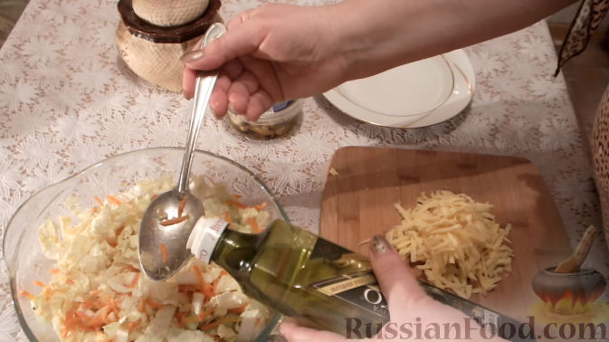 Фото приготовления рецепта: Суп с куриными фрикадельками и вермишелью - шаг №6