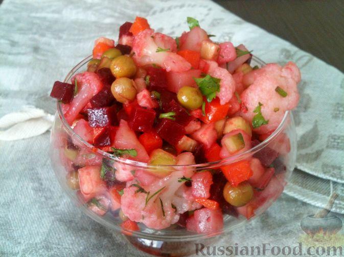 Фото приготовления рецепта: Тёплый салат из куриной печени с яблоком и виноградом - шаг №1