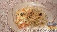 Фото к рецепту: Салат из пекинской капусты с мидиями