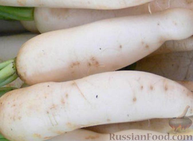 Фото приготовления рецепта: Салат из дайкона и яблок - шаг №1