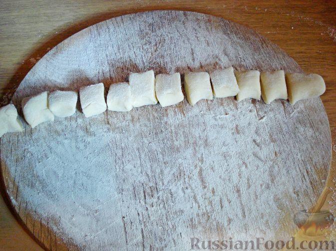 Фото приготовления рецепта: Вареники с черешней (на заварном тесте) - шаг №8