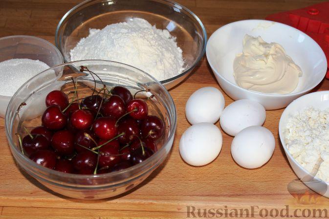 Фото приготовления рецепта: Чизкейки с черешней - шаг №1