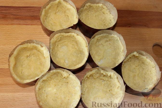 Фото приготовления рецепта: Чизкейки с черешней - шаг №10