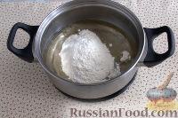 Фото приготовления рецепта: Заварные пирожные с клубникой - шаг №3