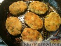 Фото приготовления рецепта: Постные овощные котлеты с зеленым горошком - шаг №8