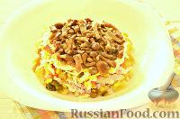 """Фото к рецепту: Салат """"Грибная поляна"""" с жареными опятами"""