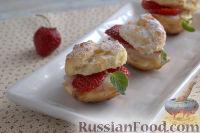 Фото к рецепту: Заварные пирожные с клубникой