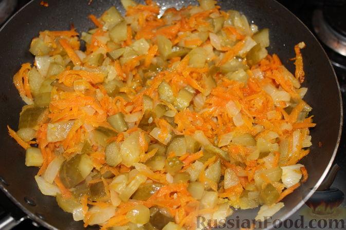 Фото приготовления рецепта: Мясная солянка с почками (в мультиварке) - шаг №7