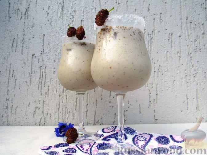 Фото к рецепту: Молочный коктейль с шелковицей