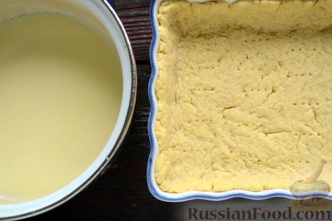 Фото приготовления рецепта: Малиновый тарт с белым шоколадом - шаг №7