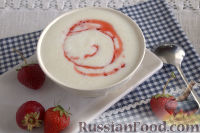 Фото к рецепту: Манная каша в мультиварке (с ягодным сиропом)