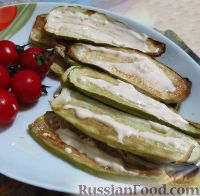 Фото к рецепту: Кабачки, запеченные с соевым соусом