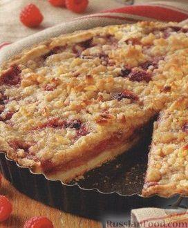 Рецепт Пирог с грушей, малиной и орехами