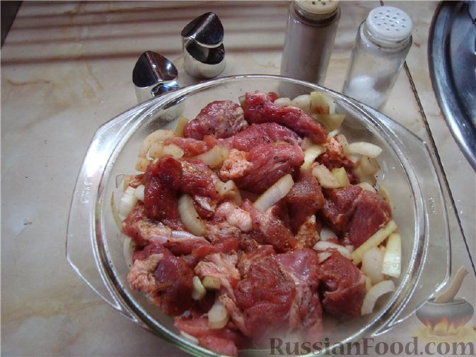 Салат кильки в томатном соусе рецепт с фото
