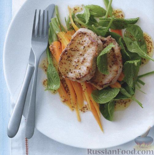 Рецепт Свиные медальоны с морковью, шпинатом и мятой