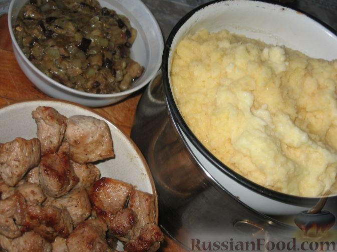 Фото приготовления рецепта: Суп с курицей и тыквенной лапшой - шаг №17