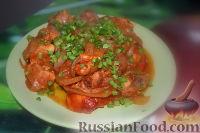 Фото к рецепту: Курочка, тушенная в томатной пасте