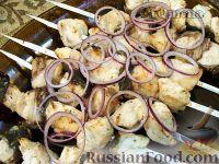Фото к рецепту: Шашлык из сома и рыбный бульон