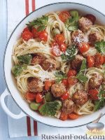 Фото к рецепту: Тефтели с помидорами и оливками