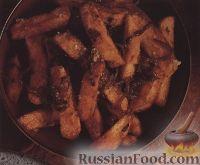 Фото к рецепту: Картофель фри с луком и острым соусом