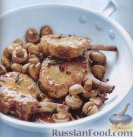 Фото к рецепту: Свиные котлеты с жареными грибами